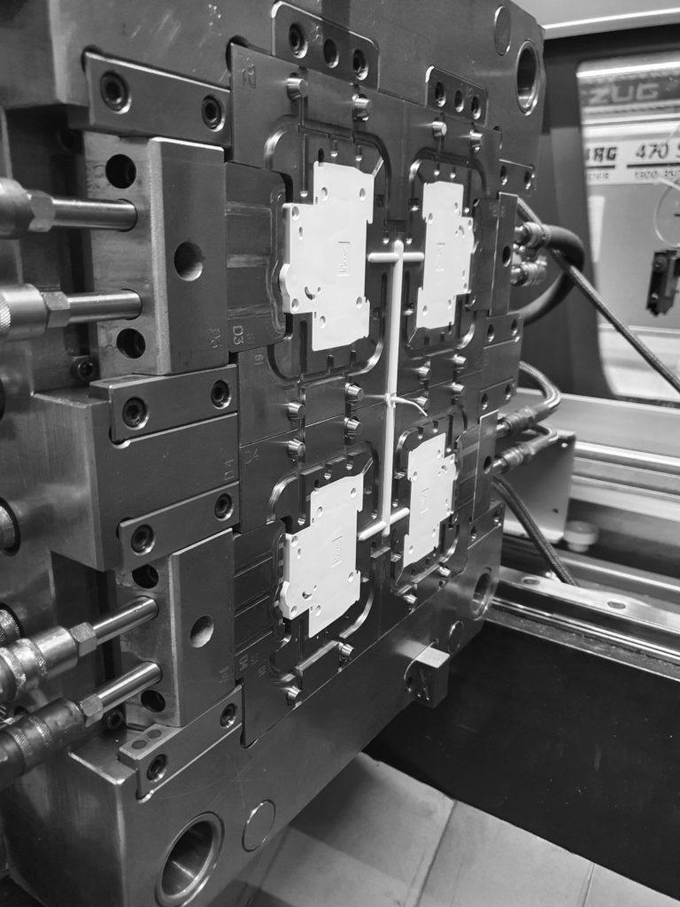 Produktion im Werkzeug